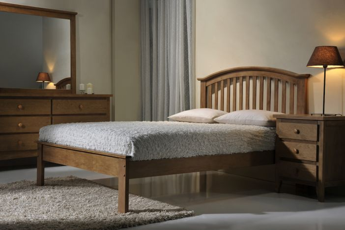 Leeswood Oak Bed